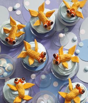 Koi-Pond-Goldfish-cupcakes