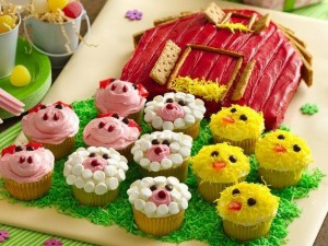 Recipe: Barn Cake with Pig, Sheep, Chick Farm Animal Cupcakes