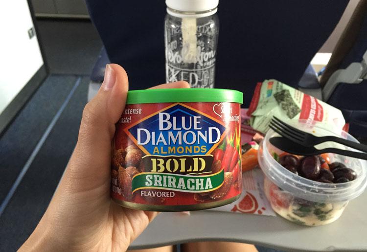 Blue-Diamond-Almonds-Siracha