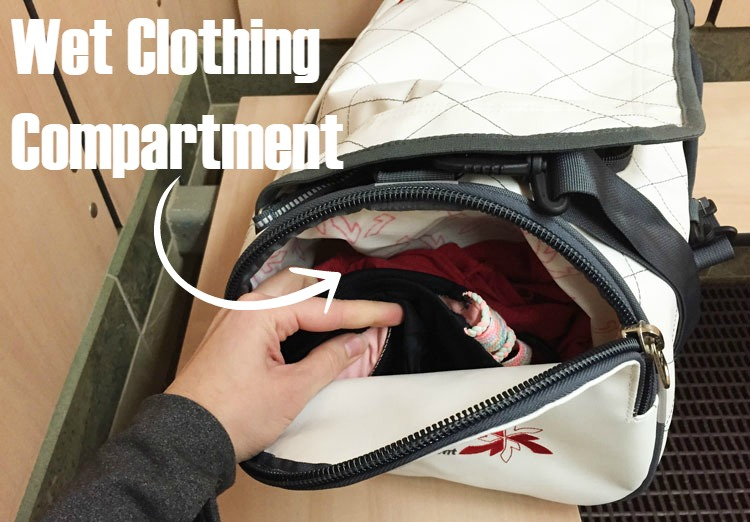 On The Opposite Side Of Bag There Is An Ideal Spot For Storing Wet Or Dirty Clothes It A Separate Compartment From Rest And Expands