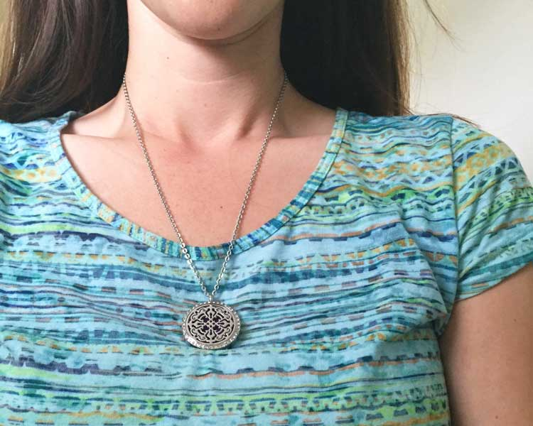 essential-oils-diffuser-necklace