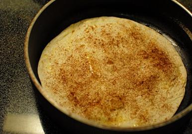 Frying-cinnamon-torillas