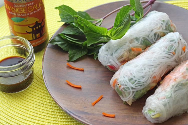 gluten-free-sauce-spring-rolls