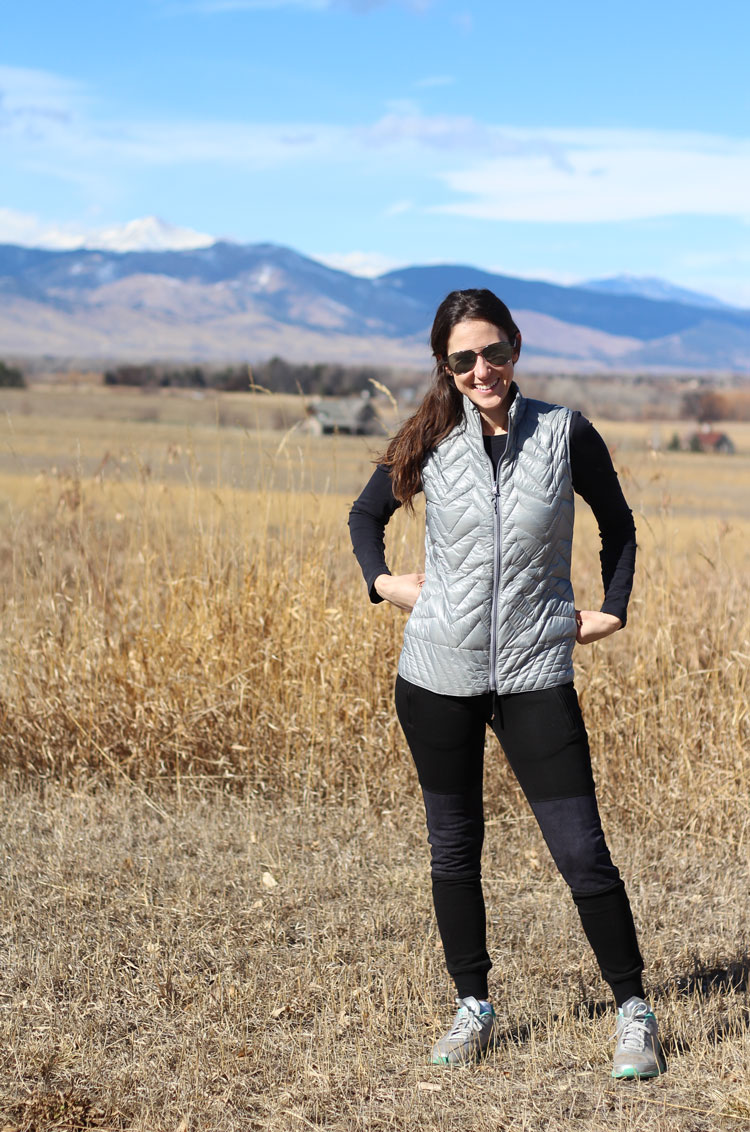 Electric-Yoga-Clothing-Outside-Hike